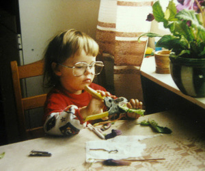 child and glasses image