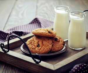 biscuits, bon appetit, and milk image