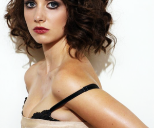 alison brie and sexy image