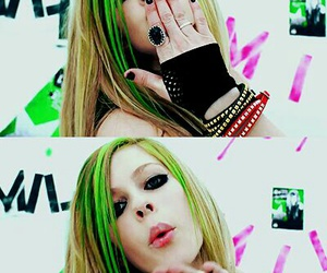 Avril Lavigne, smile, and kiss image