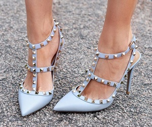 shoes, fashion, and Valentino image
