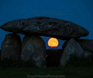 faeries, ireland, and bloodmoon image