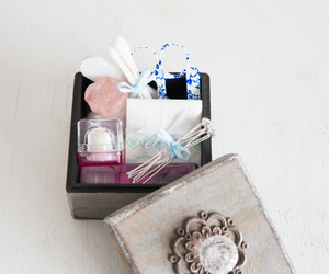 gift, favour, and beauty image