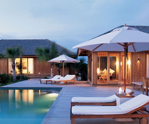 online resort booking and resort accommodations image
