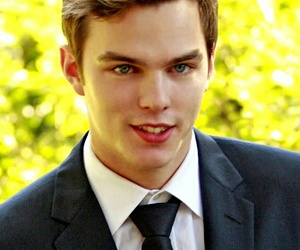 nicholas hoult, boy, and skins image