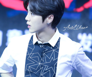luhan, 151014, and the witness press con image