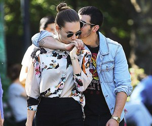 amor, couple, and Joe Jonas image