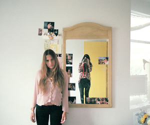 bff, room, and blonde image