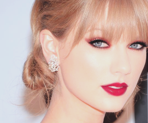 Taylor Swift, red, and blue eyes image