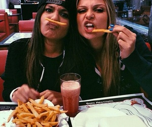 food, girls, and best friends image