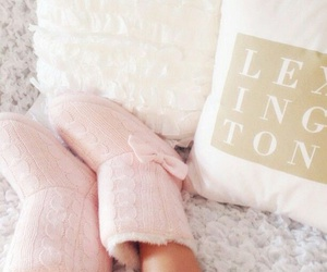 comfort, girly, and pink image