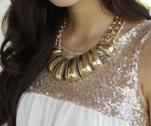fashion, necklace, and clothes image