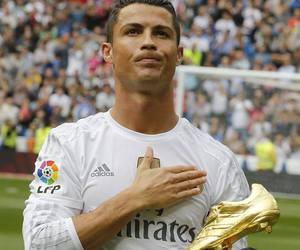 beautiful, cristiano, and gold image
