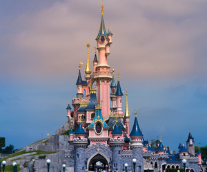 castle and disneyland image