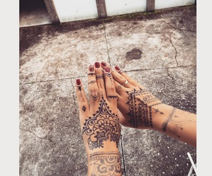 drawing, hands, and henna image