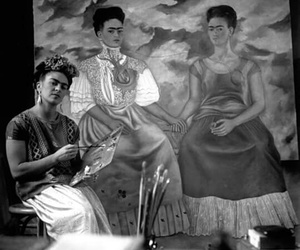 frida kahlo, black and white, and Frida image