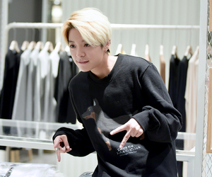 amber, pretty, and tomboy image