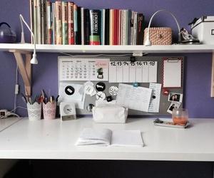 habitación violeta image
