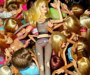 barbie and ♥ image