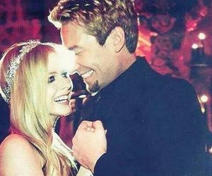 Avril Lavigne, chad kroeger, and couple image