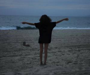 grunge, girl, and beach image