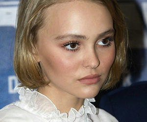 model and lily rose depp image