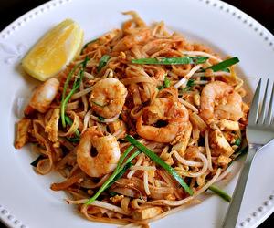 noodles, shrimp, and pad thai image