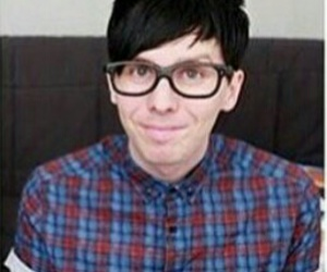 anteojos, phil lester, and cute image