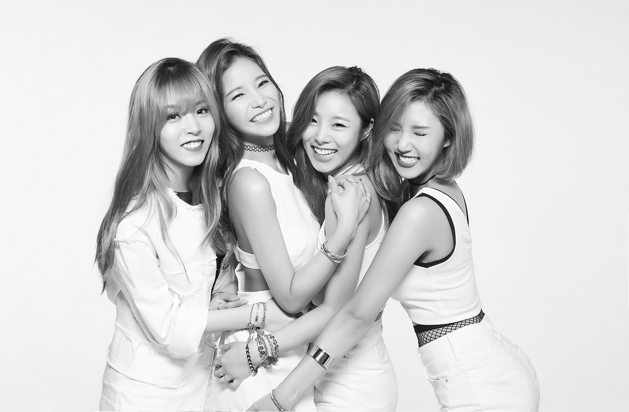 mamamoo, solar, and wheein image