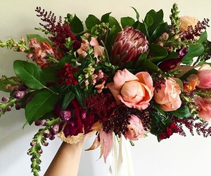 bouquet, fall wedding, and decor image