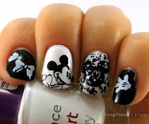 nails and mickey mouse image
