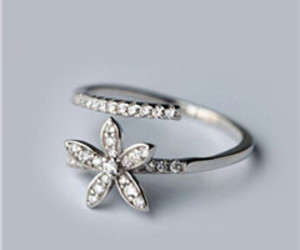 flower ring, fashion ring, and unique ring image