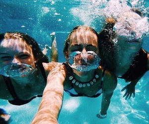 summer, friends, and ocean image
