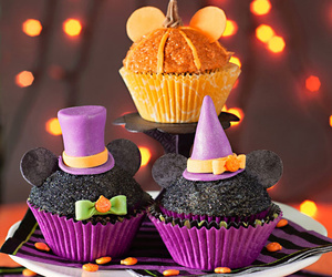 cupcake, Halloween, and mickey mouse image