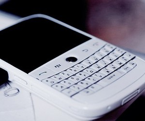blackberry, white, and phone image