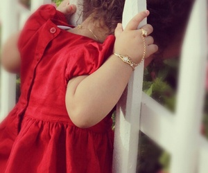 little girl, fence, and wallpapers image