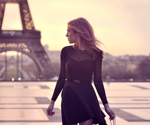 paris and dress image