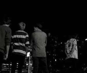 b&w, babes, and louis tomlinson image