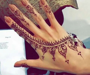 henna and design image