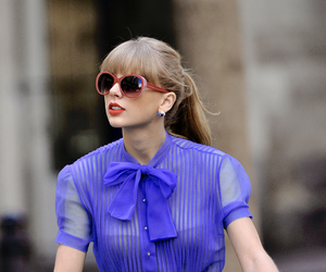 Taylor Swift, begin again, and red image