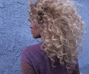 curly hair, hair, and blonde image