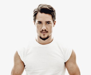 viking, american horror story, and alexander dreymon image
