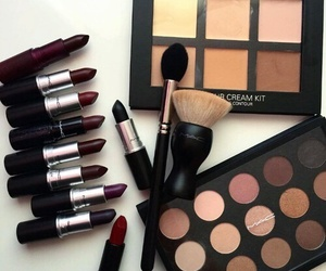maquillage, rouge, and roue image