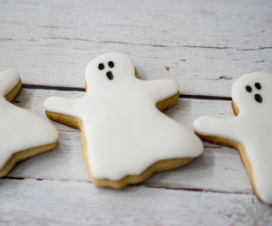 Halloween and ghost cookies image