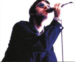 liam gallagher and oasis image