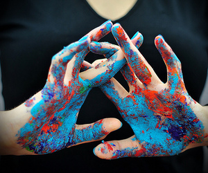 hands and paint image