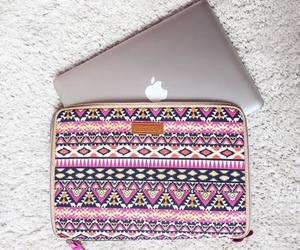 apple and macbook image