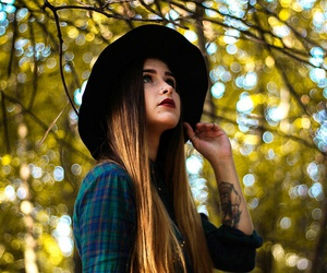 beauty, fall, and girl image