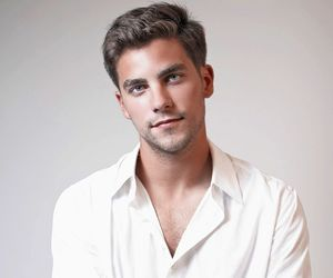 brant daugherty, Hot, and pll image