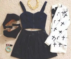 pretty, watch, and crop top image